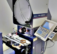 Dimensional-Metrology-Mitutoyo-digital-Profile-Projector-2