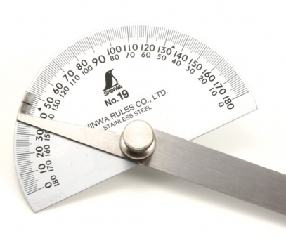close-up-of-shinwa-19-protractor1